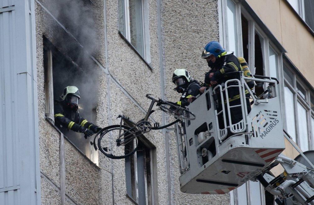 Tulekahju Lasnamäel Kivila tänaval