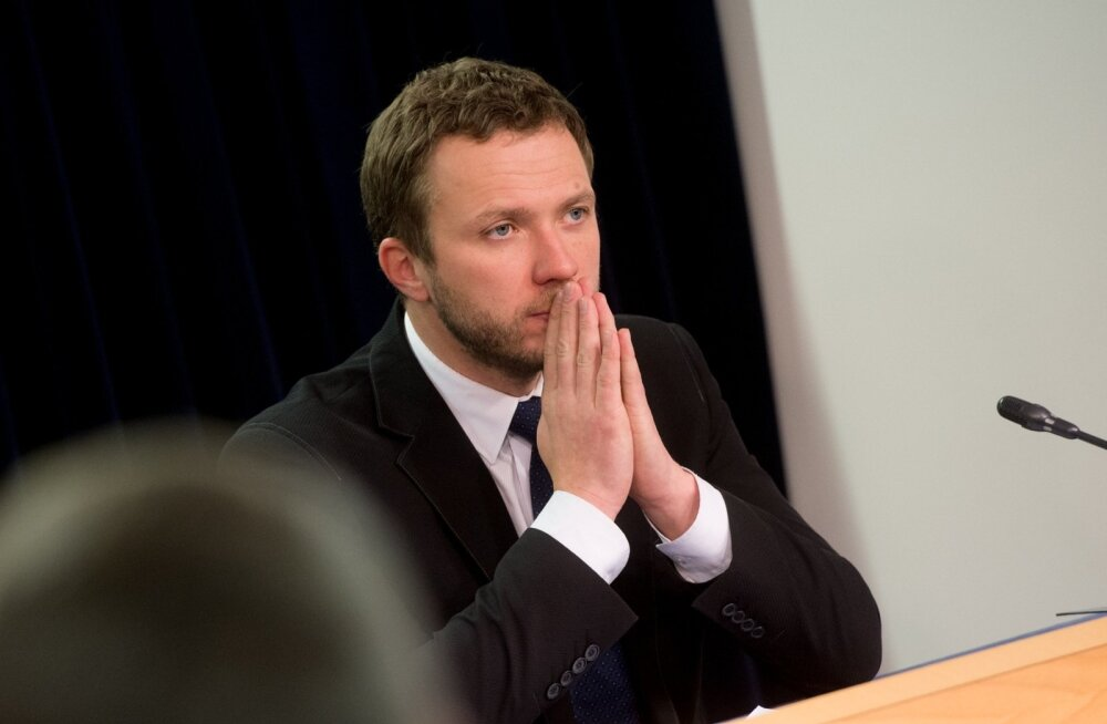 Tsahkna tegi ettepaneku puhastada riigiettevõtete nõukogud oravaparteilastest, Randjärve kutsus ta ise tagasi