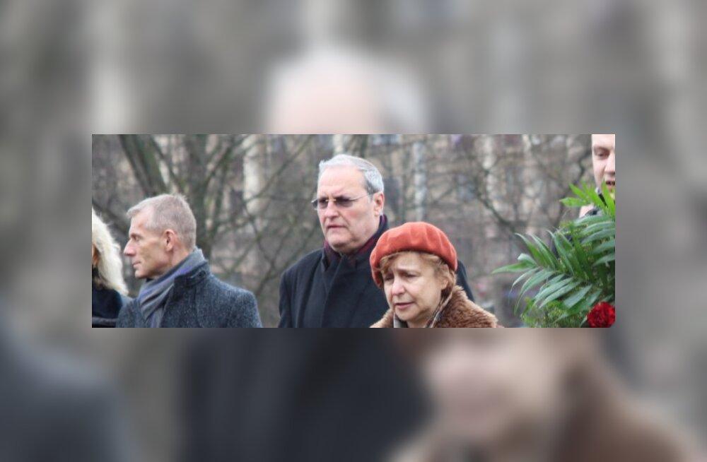 Natsikütt Efraim Zuroff osaleb Riias antifašistide konverentsil
