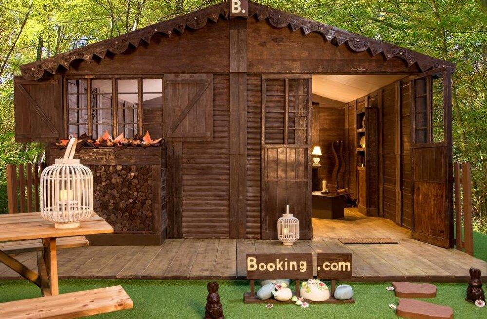 Booking.com предлагает пожить в необычном коттедже, где все сделано из шоколада
