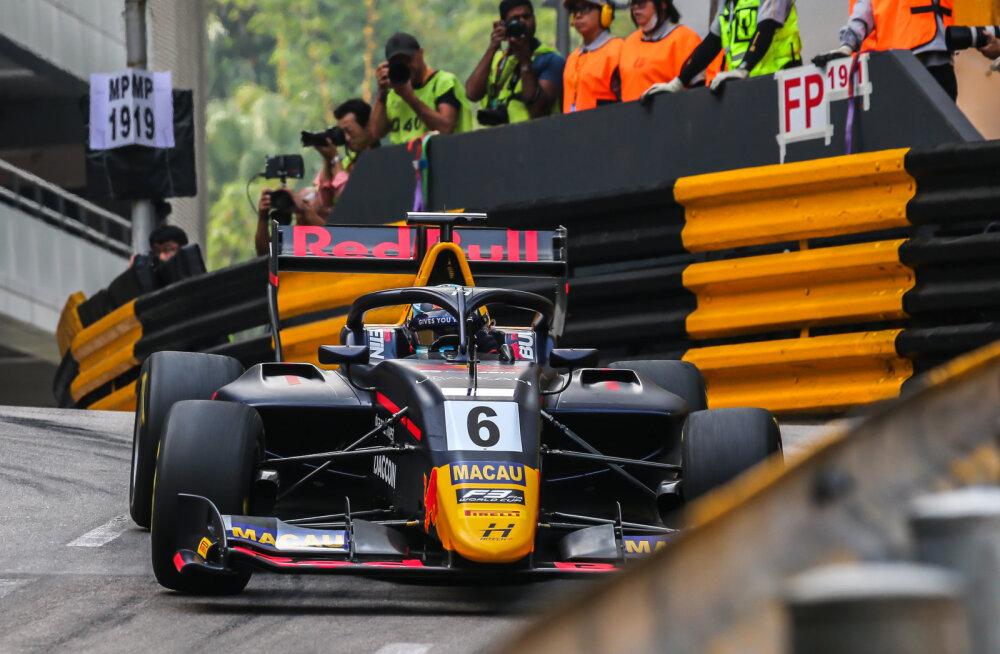 VIDEO   Macau GP kahekordne võitja kihutas vabatreeningul juba katkestanud konkurendile sisse, Vipsilt parim ringiaeg