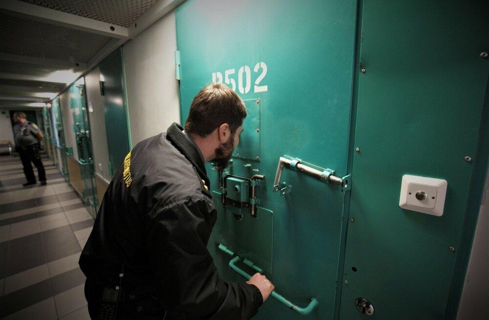 Гей-скандал в Вируской тюрьме обошелся государству в 70 000 евро. И это еще не все