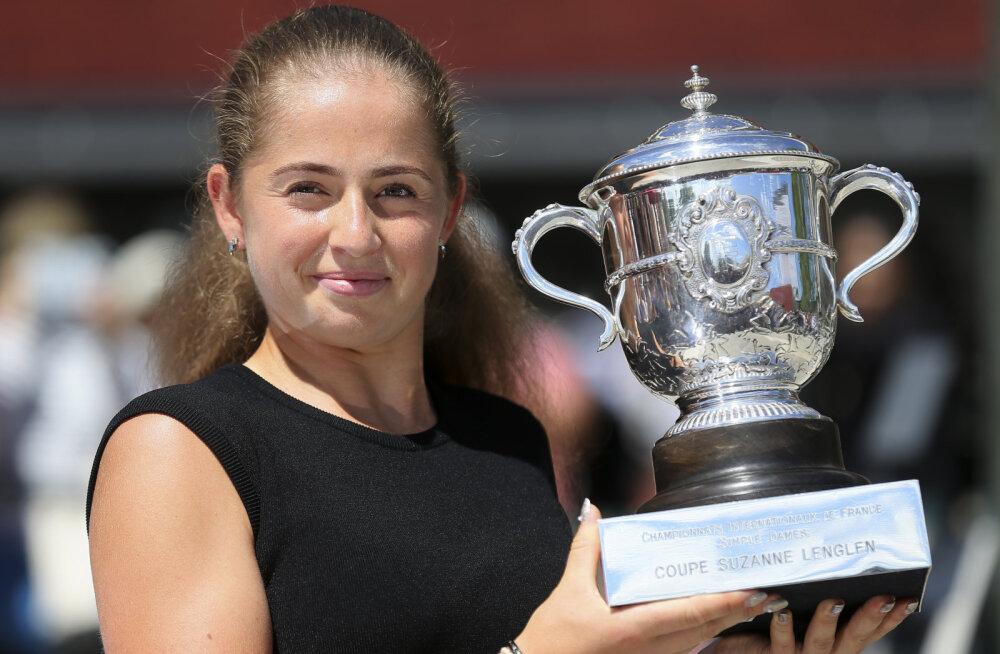 Kas Ostapenko võiks 2017. aasta French Openi triumfi korrata? Reketid pakkinud Pliškova kahtleb selles