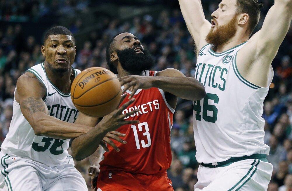 Valusa kaotuse saanud Rocketsi superstaar erakordsetest tingimustest: NBA-s ei saa vilistada kahe mehega!