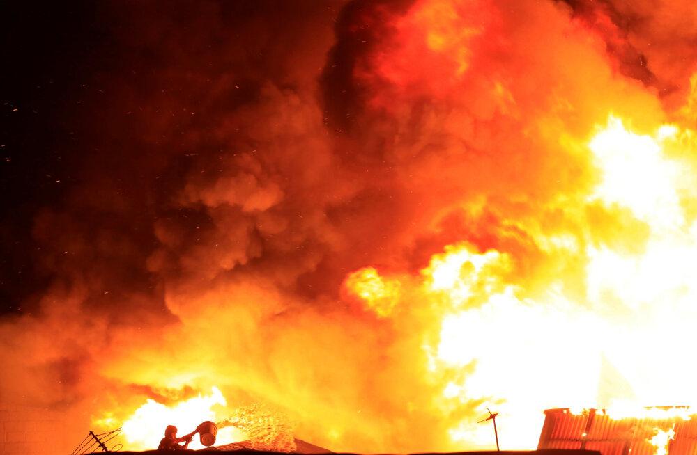 Kohtumeditsiiniline pähkel: majast leiti surnuks põlenud mees, tulekahjust polnud jälgegi