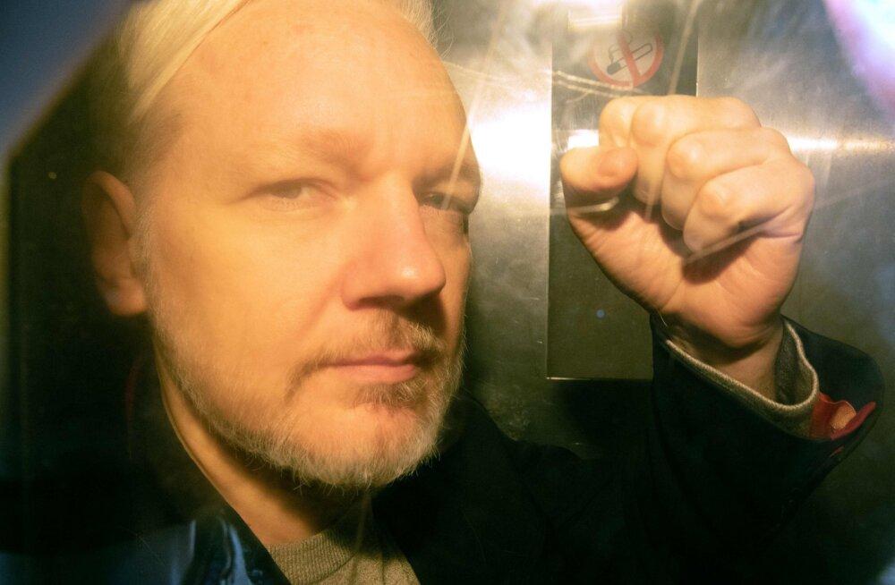 Assange mõisteti aastaks trellide taha