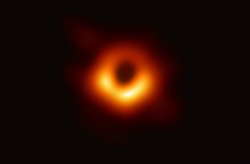 Avastati uut tüüpi väikese massiga must auk