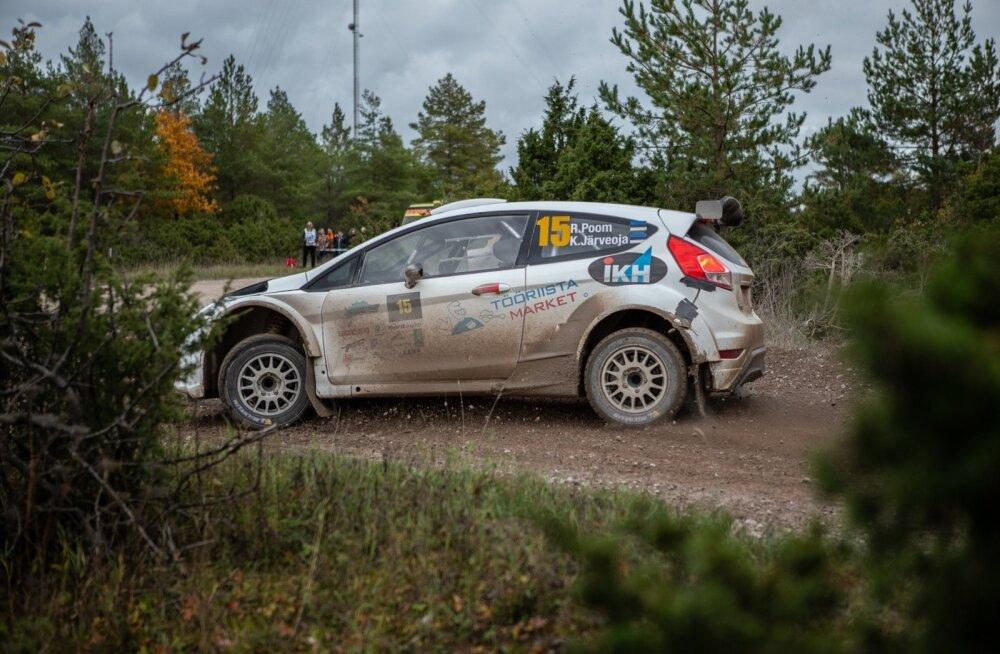 Roland Poom sai R5 autot esimest korda proovida oktoobris Saaremaa kadakate vahel.