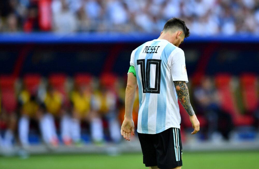 """""""Vaadake, kui palju ta vetsus käib!"""" Maradona avaldas kõige veidrama põhjuse, miks Messi tema meelest õige liider olla ei saa"""