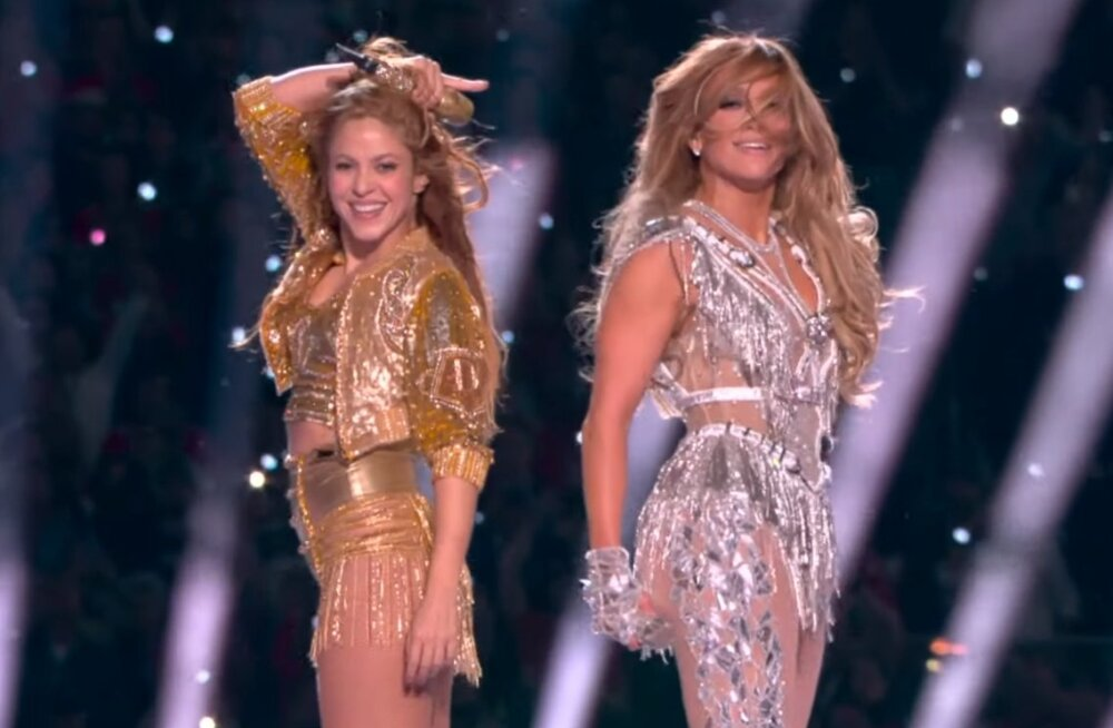ВИДЕО | Шакира и Джей Ло устроили откровенное шоу на Супербоуле