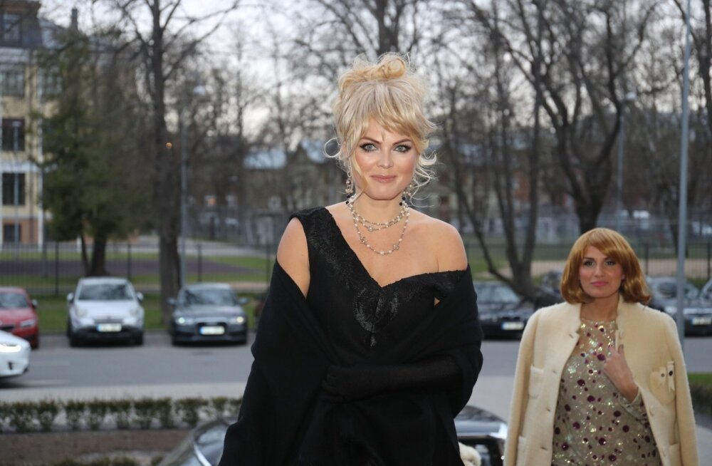 Aeg haarata taas palgakalkulaator: Kristiina Aigro esitles järjekordset Chaneli kotti!