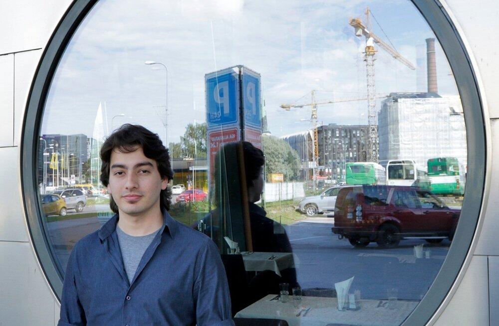 Türgist pärit Safak Samiloglu õpib Tallinnas küberjulgeolekut ja töötab tarkvaraarendajana. Ta peab tõenäoliseks tulevikus Eestisse jääda.
