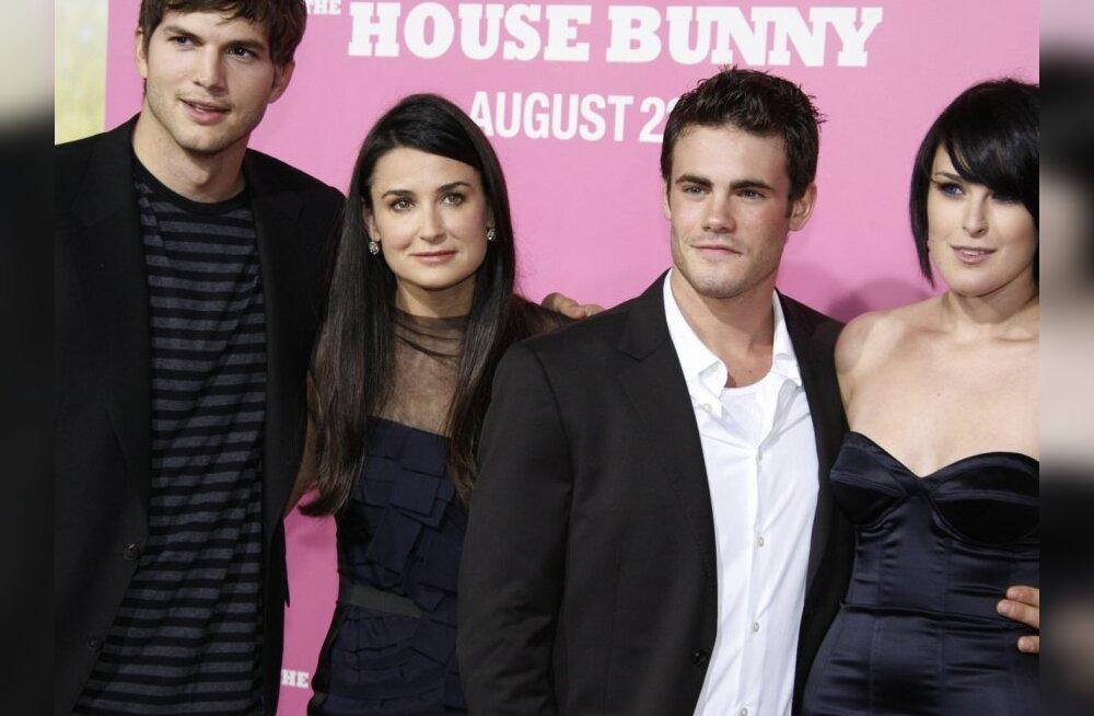 Ashton Kutcher ostis 21-aastasele naisele maja