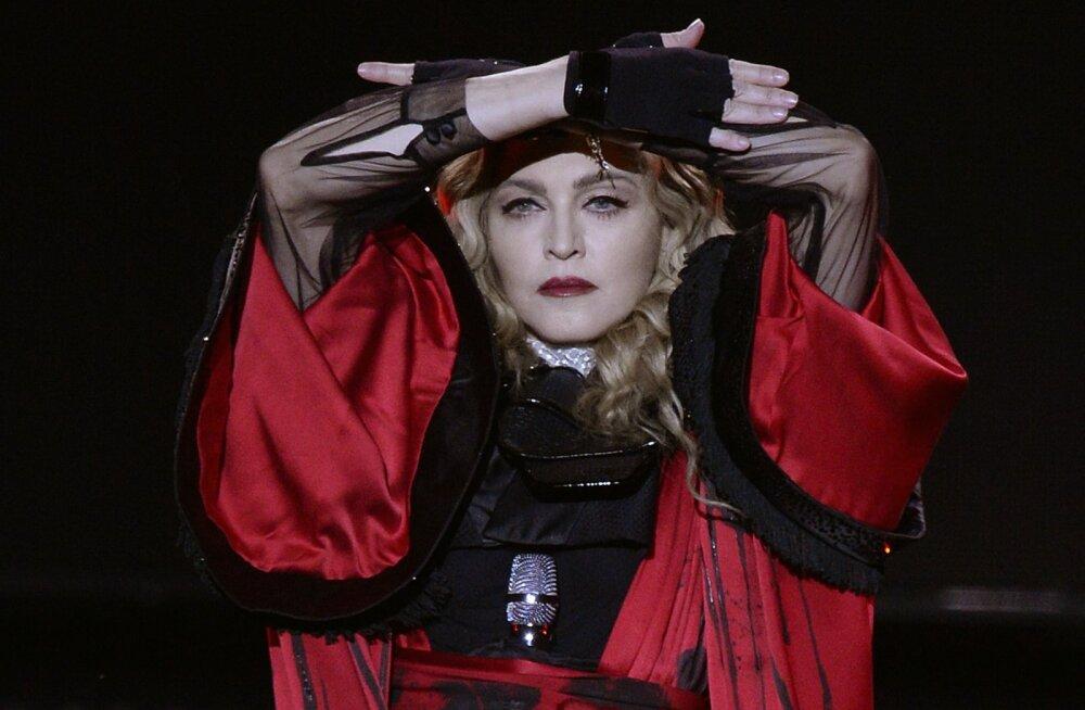 Tohoh! Madonna poeg keeldub emaga jõule tähistamast