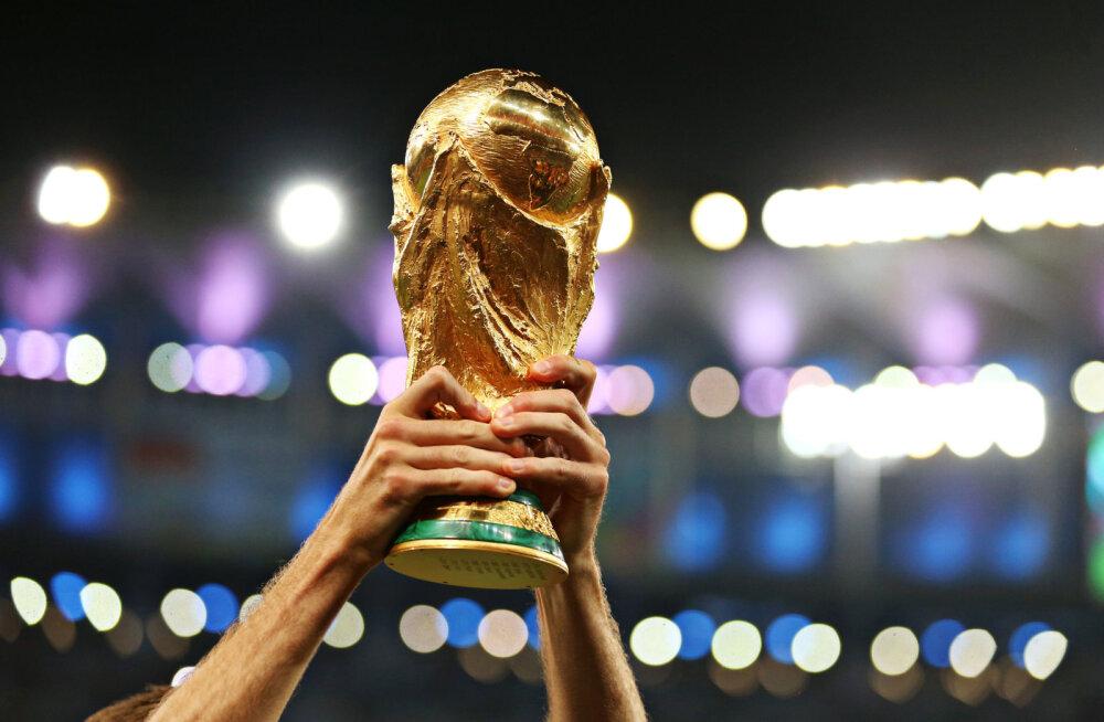 KÜSITLUS   Kellele hoiad jalgpalli MM-il pöialt?