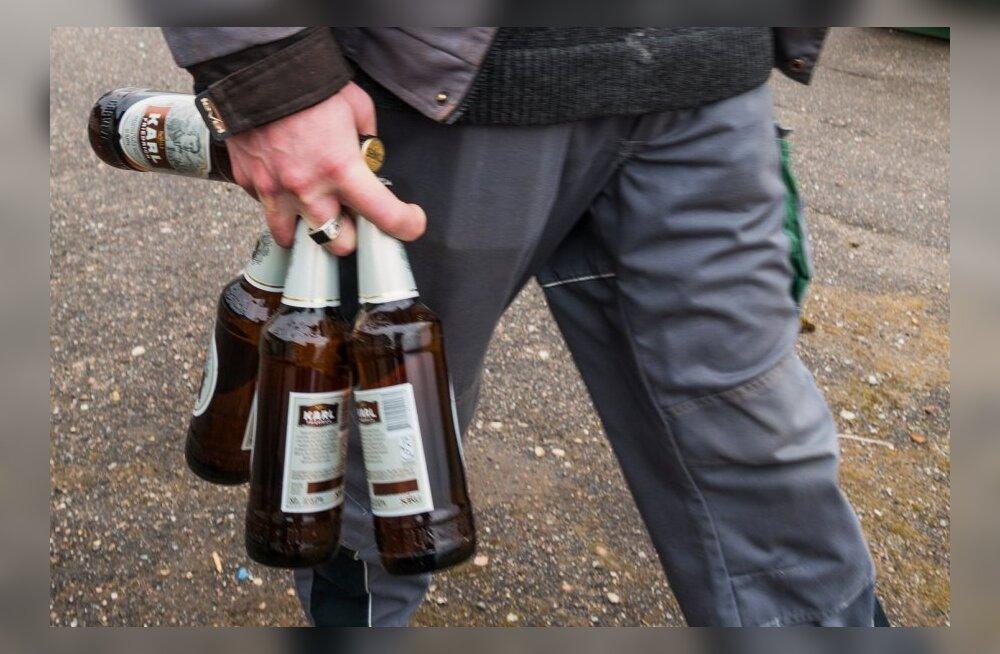 Miks ehitajad tööpäeviti lõuna ajal alkoholi tipsutavad?