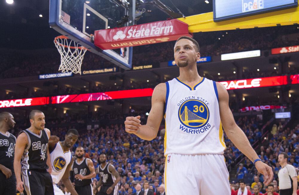 Warriors purustas Spursi 30 punktiga, Curry taas ülivõimas