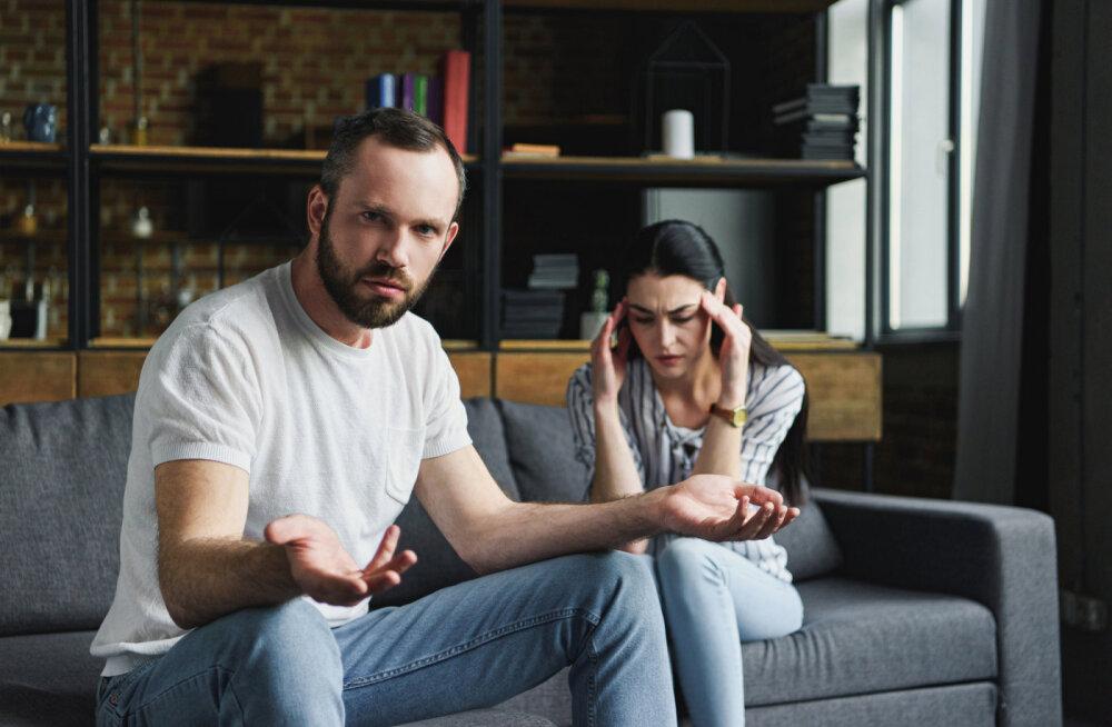 Suhtlemistasandid: kui üks partner räägib teisega kui vanem lapsega