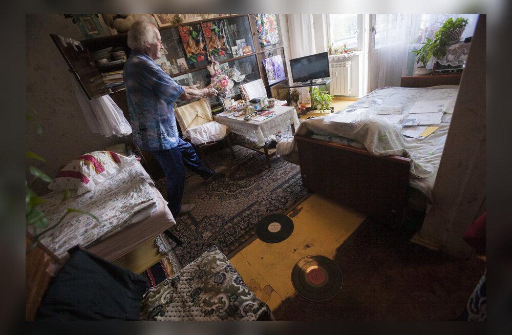 Пенсионер из Таллинна жалуется, что его терроризируют. Соседи же отвечают, что это он всех достает