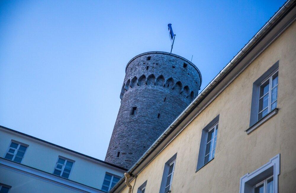 Утро столетия Эстонской Республики начнется с торжественного поднятия государственного флага