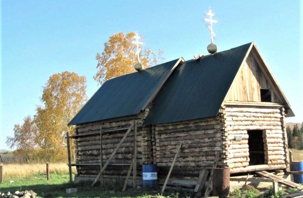 Haida küla ehitusjärgus kirik