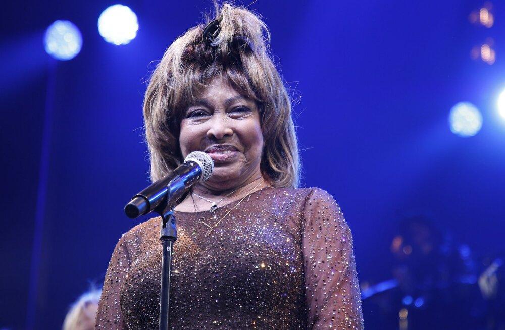 Tina Turner tunnistab, et vägivaldne abikaasa Ike käskis tal pulmaööl võõraste seksuaalvahekorda vaadata: see oli nii häiriv