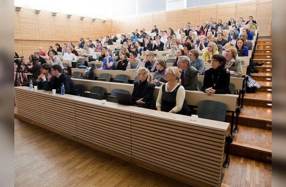Eelnõu tõstab kõrghariduse õppekoha riiklikku rahastamist