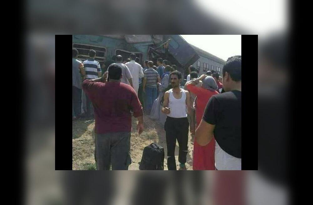ВИДЕО: В Египте столкнулись два поезда: более 20 погибших, десятки пострадавших