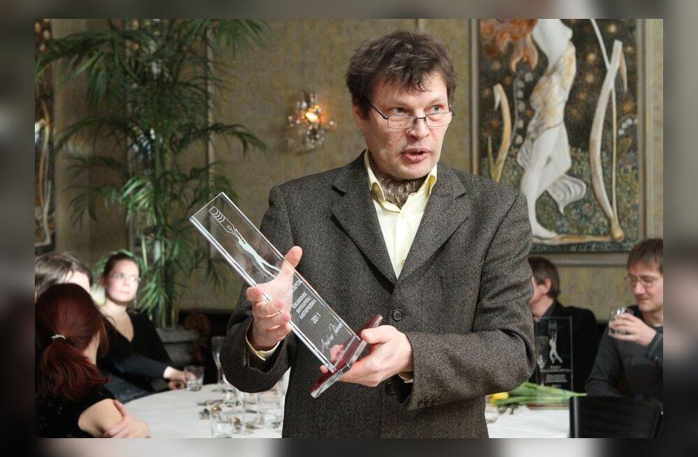 FOTOD: Kultuurkapital jagas kirjanduspreemiaid