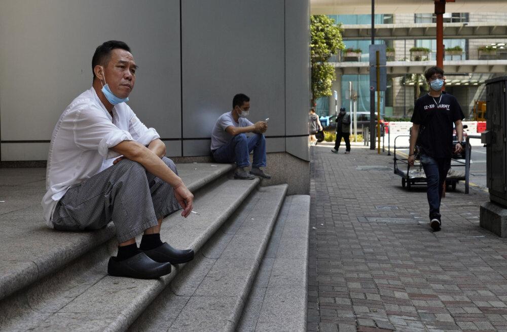 Hoiatav näide: Hongkongis arvati, et koroonaviirus on seljatatud ja piirangud võib unustada. Saadi valusalt vastu näppe