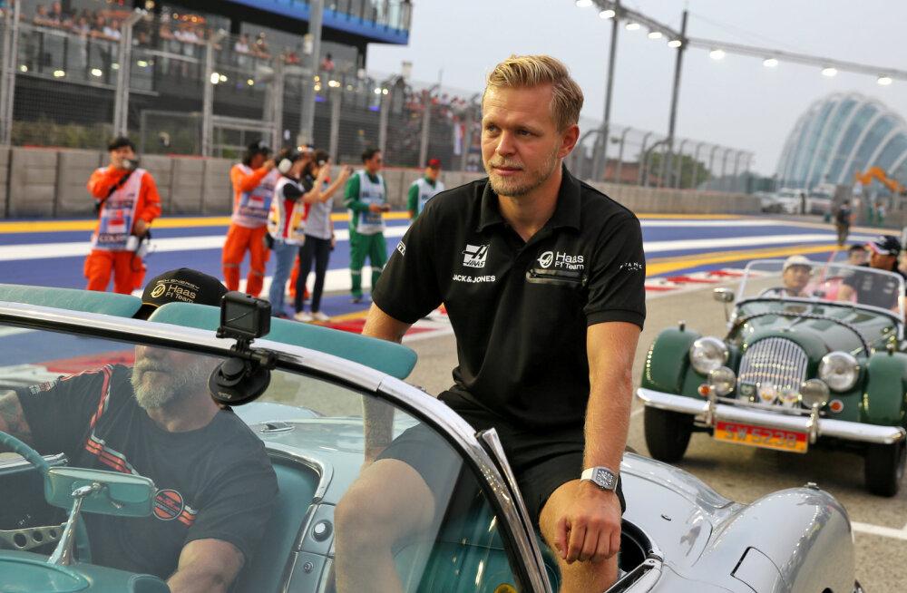 Uskumatu lugu: esitiiva külge jäänud õhuke võileivakott maksis Kevin Magnussenile Singapuri GP-l punktikoha