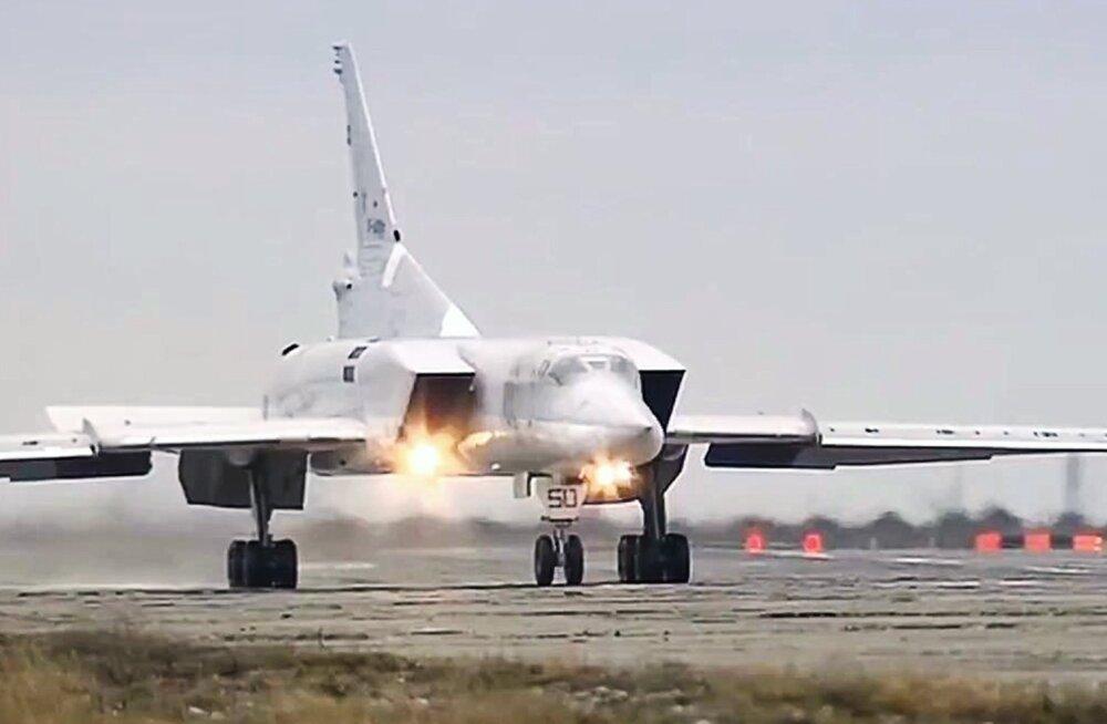Venemaa kaitseministeeriumi süüdistati Rootsi luurelennuki ja pommitaja Tu-22M3 õnnetuse kohta valetamises