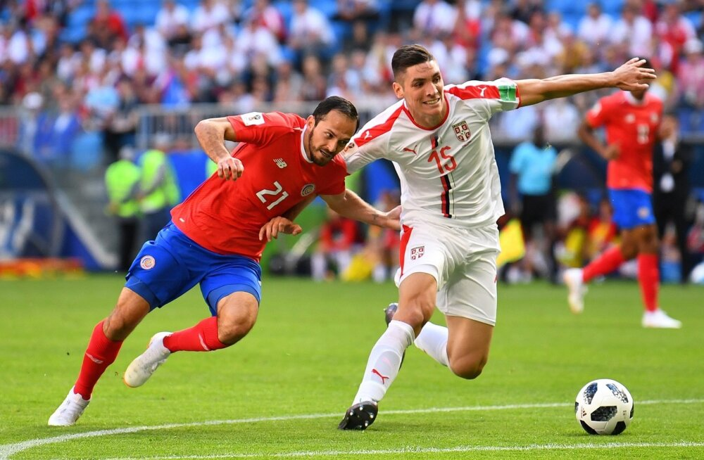 Serbia (valges) vs Costa Rica.