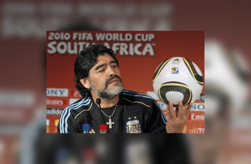 Diego Maradona, Argentina jalgpallikoondise peatreener
