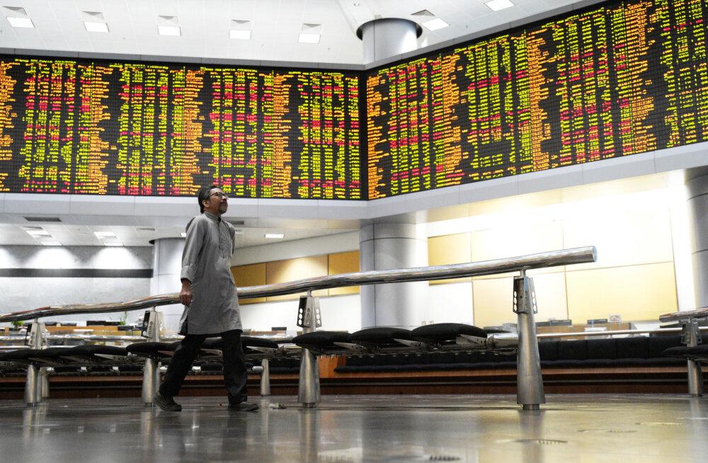 Apple'i hoiatus raputas turge, Aasias valuutade välkkrahh