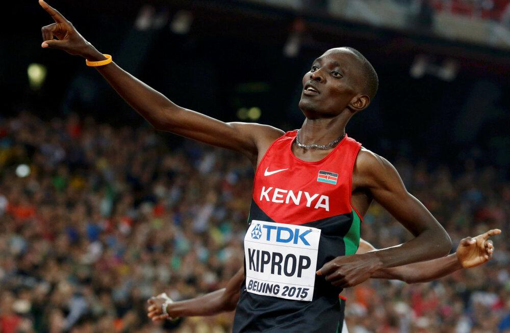 EPO-ga vahele jäänud 1500 meetri olümpiavõitja proovib kätt rallisõidus