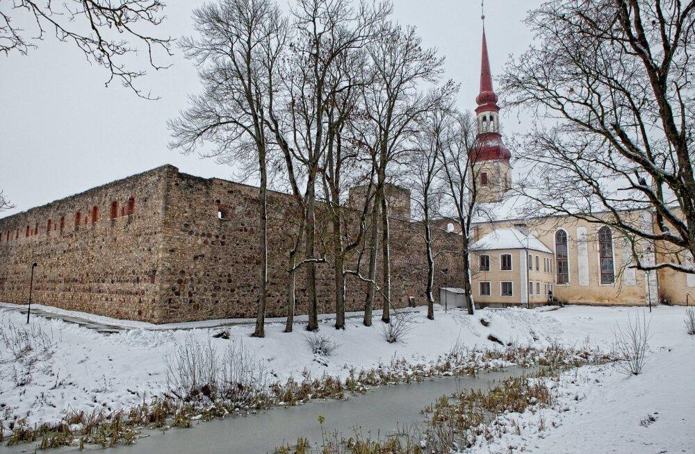 EESTI 100 AARET | Korduvalt purustatud, taastatud ja täiustatud Põltsamaa loss