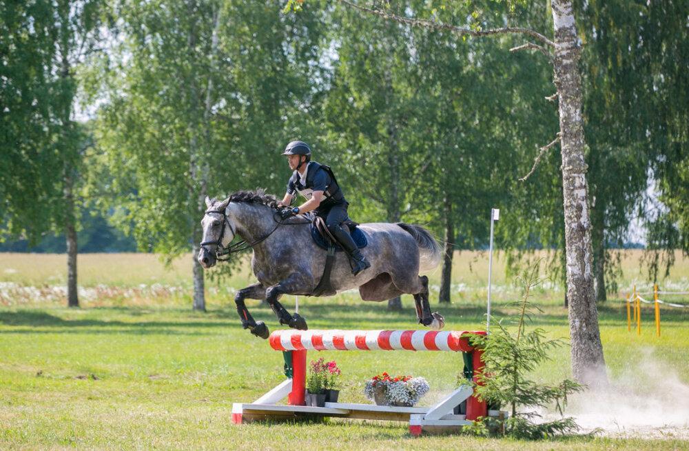 Jaagup Kallas võidutses Valgevenes kolmevõistluses