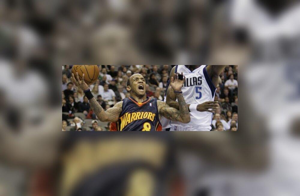 Dallas Mavericksi Josh Howard ja Golden State Warriorsi Monta Ellis