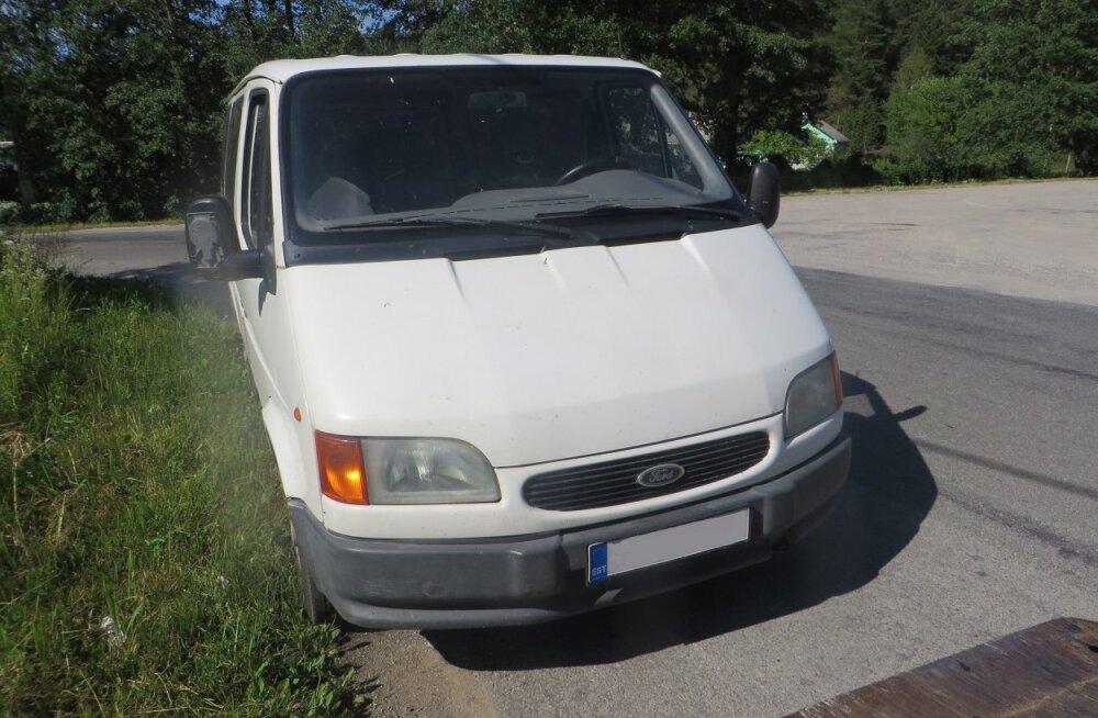 ФОТО: Задержанный 23 июня пьяный водитель был лишен решением суда микроавтобуса и прав