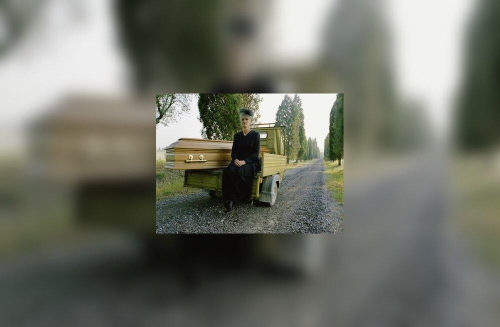 Surm, matused, üksi