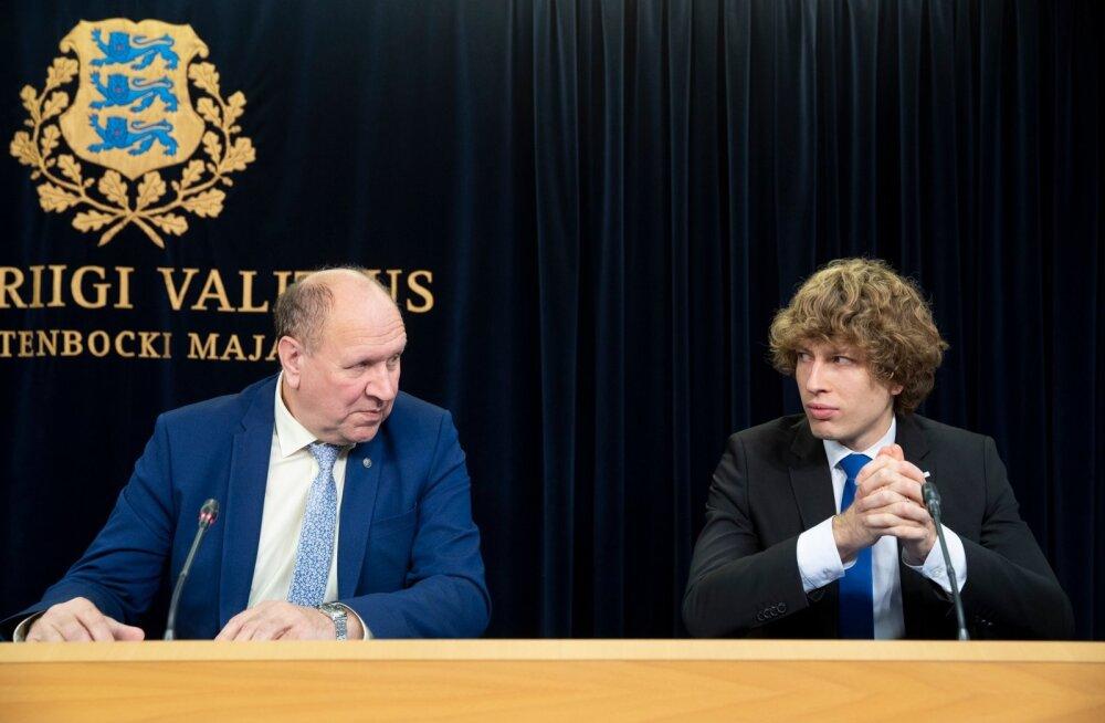 Minister Tanel Kiigele (paremal) on viimastel nädalatel saanud osaks terav kriitika koalitsioonipartner Mart Helme juhitud EKRE ja nende toetajate poolt.