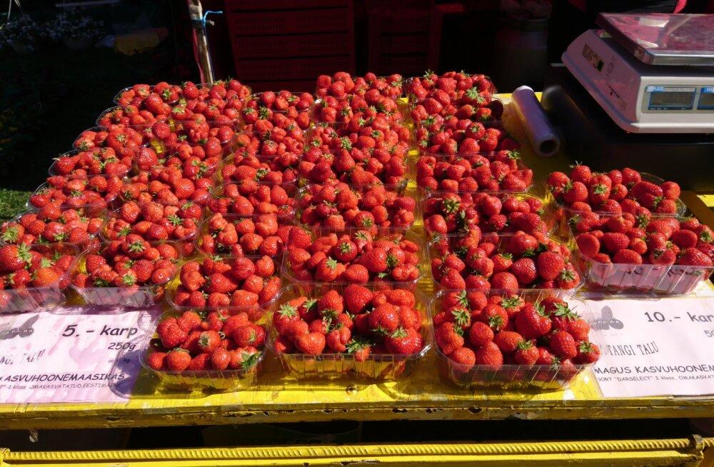 FOTOD | Luige laadal on müügil eestimaised maasikaid