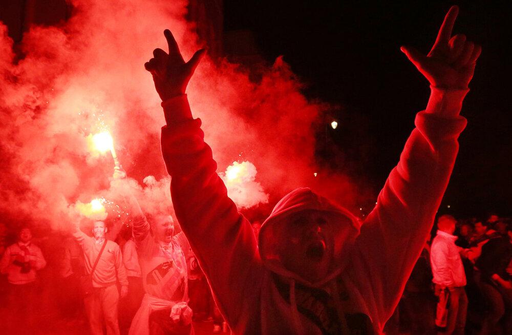 Varssavi Legia mängijad said pärast kaotust parklas oma fännidelt malakat