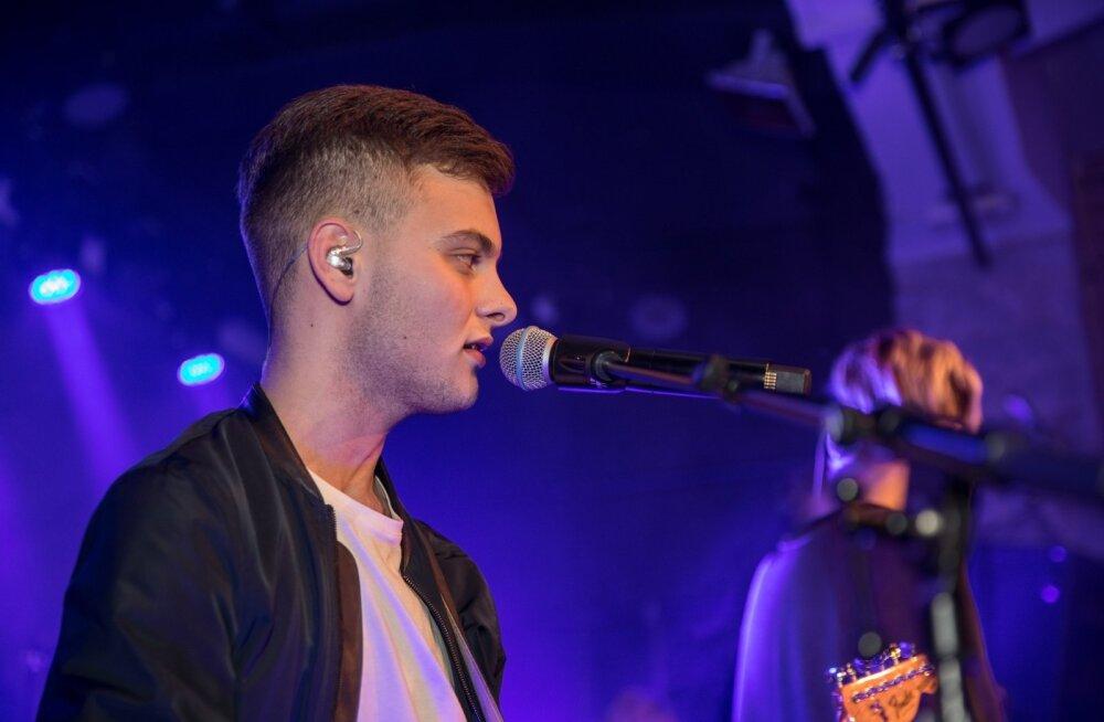MIS JUHTUS? Eesti kõige popima poistepundi Beyond Beyond laulja lahkub bändist