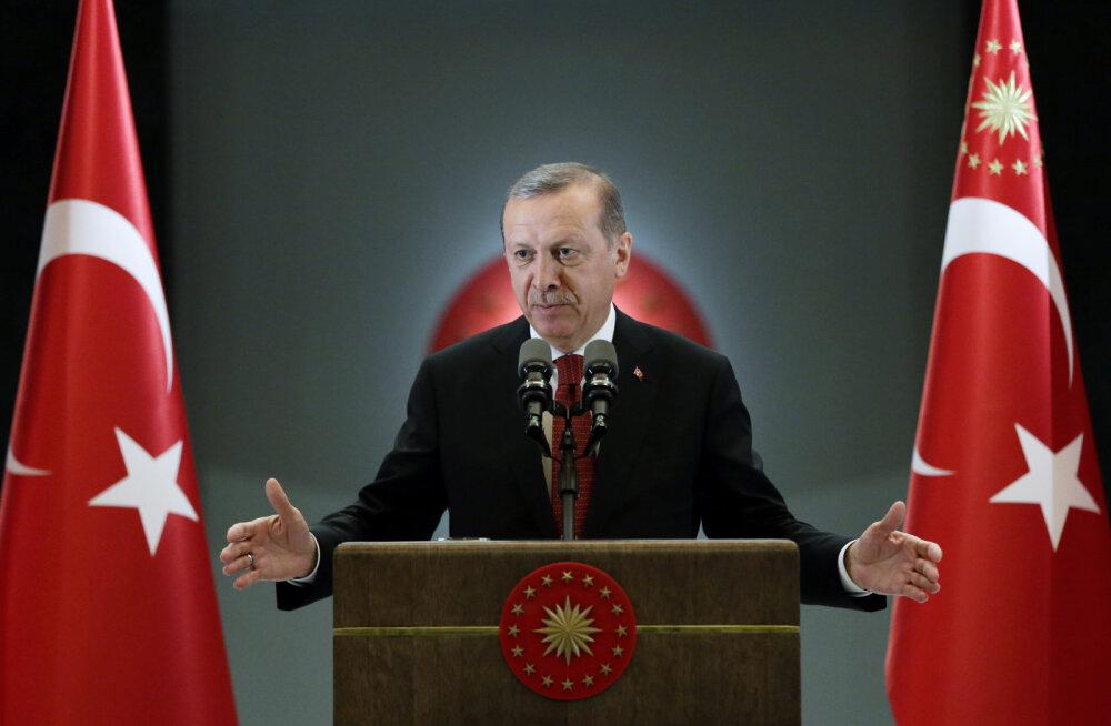 Erdoğan lubas Süüria põgenikele Türgi kodakondsust