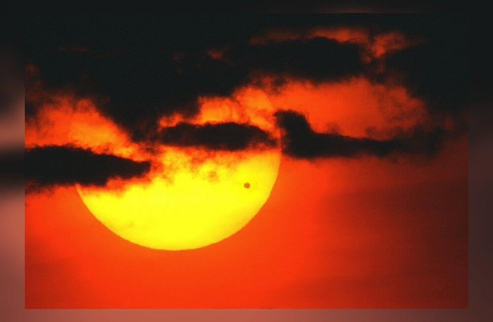 Astronoomiahuvilised kutsuvad Linnahalli juurde ja Toomemäele ohutult Veenuse üleminekut jälgima