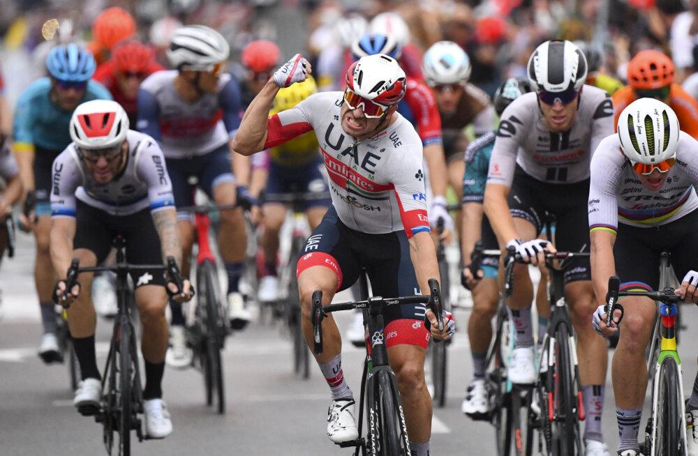 Norra rattaäss haaras sündmusterohke Tour de France'i avaetapil liidrisärgi