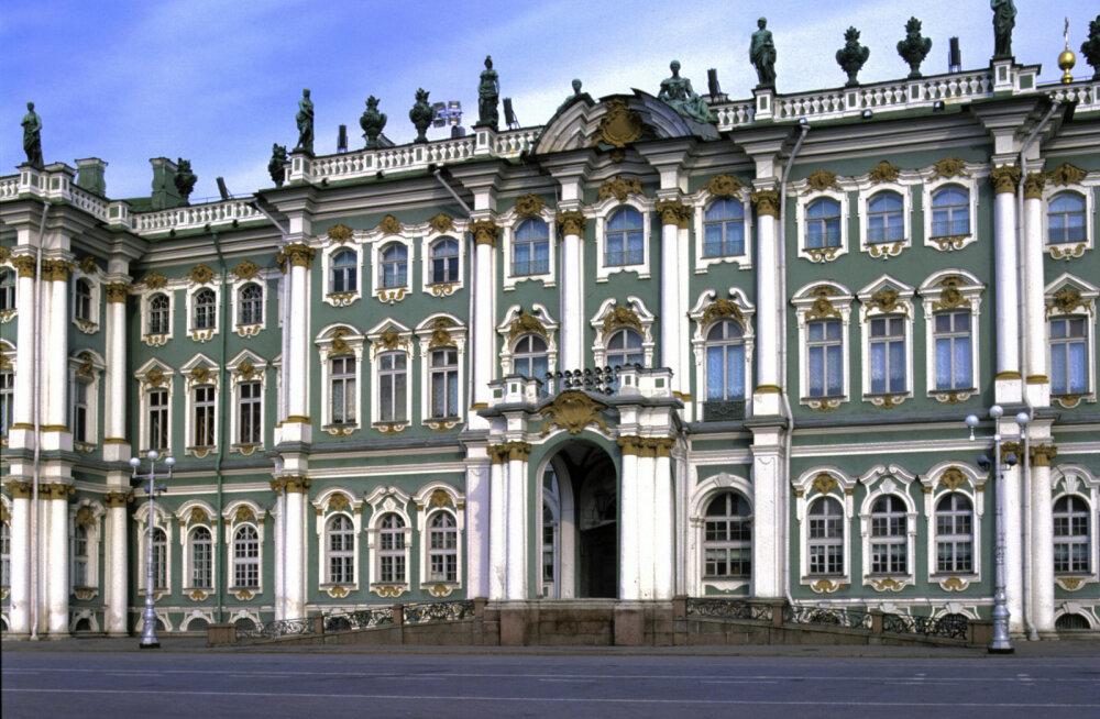 В Санкт-Петербурге опустел Эрмитаж