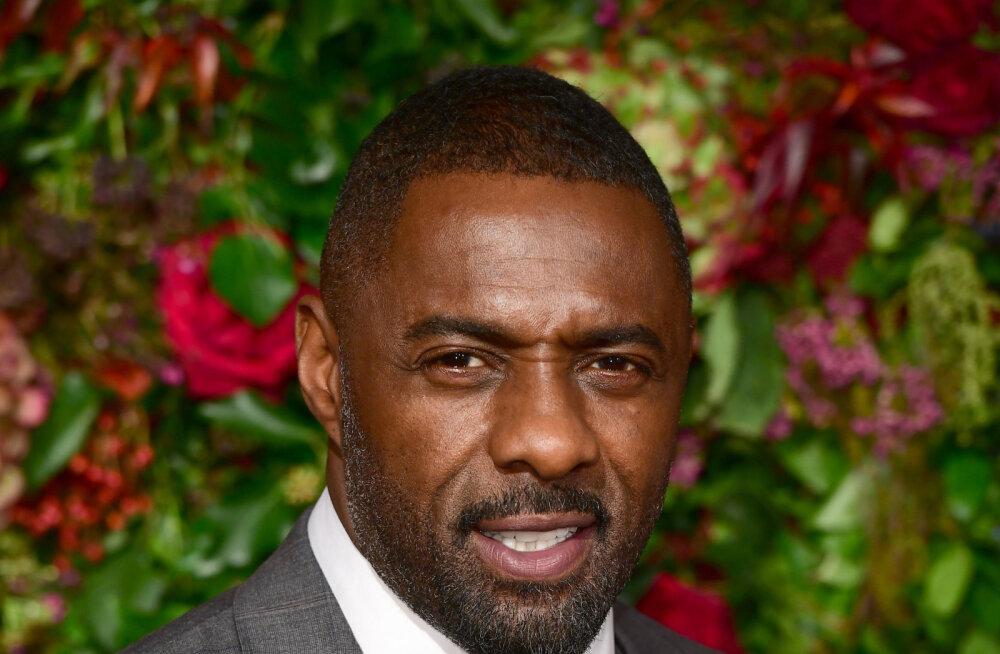 Idris Elba ei nõustu rassistlike komöödiasarjade keelamisega: usun sõnavabadusse